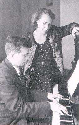 """Д.Д.Шостакович с женой Ниной Васильевной, которой посвящена опера композитора """"Катерина Измайлова"""""""
