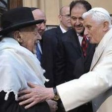 Главный раввин Рима Риккардо ди Сеньи и Папа Римский Бенедикт XVI