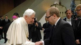 Бенедикт XVI с с министром иностранных дел Эстонии Урмасом Паэтом (с сайта RUS.ERR.EE)