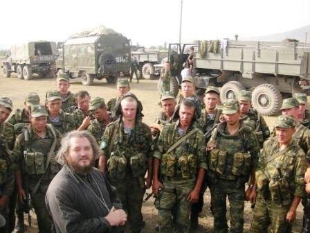 Иерей Димитрий Василенков среди солдат