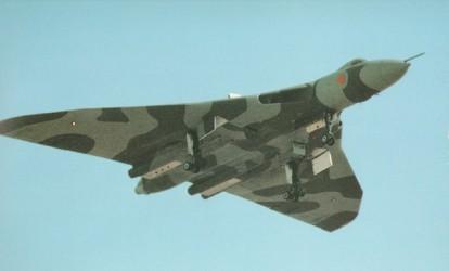 Английский средний стратегический бомбардировщик Вулкан ныне снятый с вооружения