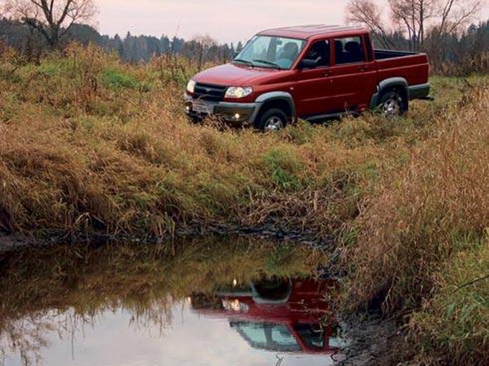Красный пролетарий (УАЗ Pickup) …