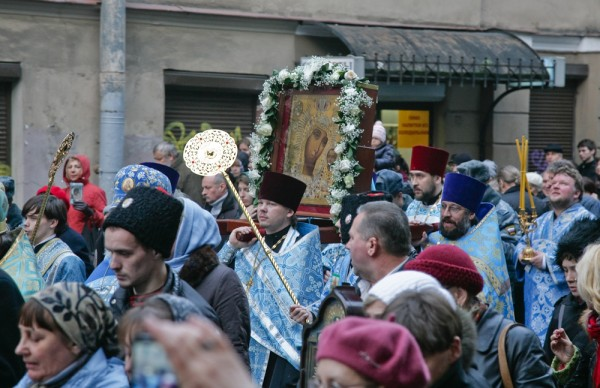 Крестный ход в Санкт-Петербурге, 4.11.2012, фото *Российской газеты*