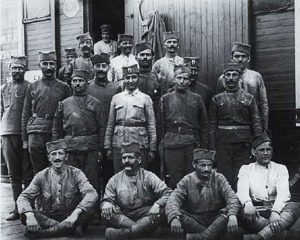 сербские солдаты в России