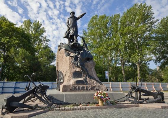 Памятник С.О.Макарову в Кронштадте