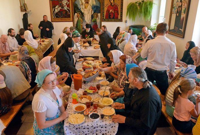 Трапеза общины Корсунской церкви