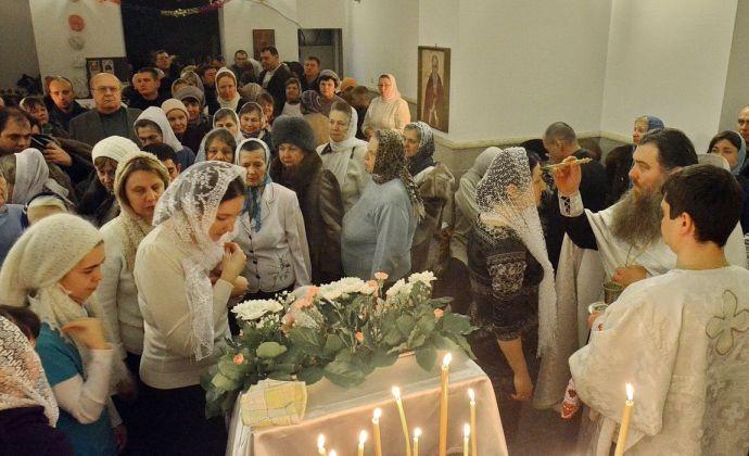 На вечерней службе в Рождество Христово, 2015 год, в новой церкви Всемилостивого Спаса