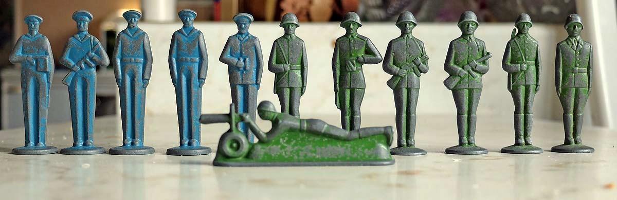Советские солдатики-столбики