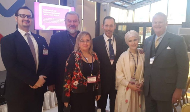 Группа участников конференции - представители сирийской диаспоры, М.Санти, М.Мономенова, Р.Хайнц