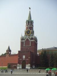 """Владимир Крупин:  """"Это событие удивительное, судьбоносное, духовное """".  На башнях Кремля нашли замурованные иконы."""