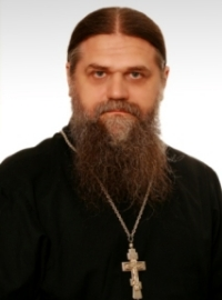 http://www.ruskline.ru/images/cms/thumbs/29bb1051c87f0a2098fa28a12114aa6566b90433/ierej_aleksandr_shumskij_200_auto.jpg