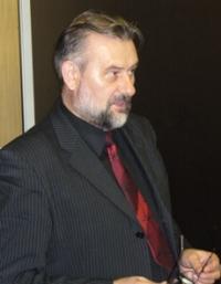 http://www.ruskline.ru/images/cms/thumbs/29bb1051c87f0a2098fa28a12114aa6566b90433/stepanov_anatolij_dmitrievich_200_auto.jpg